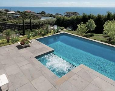 bluestone-pavers-pool-coping-tiles-melbourne
